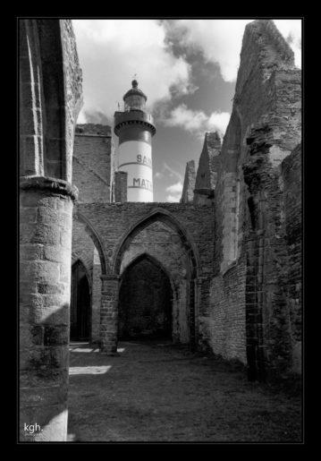 Phare et Ruine